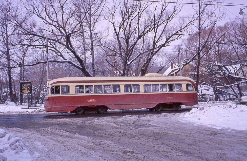 PHOTO - TORONTO - GLEN MANOR NEAR QUEEN - PCC STREETCAR BY PARK - 1966 - EDITED FROM AN UNKNOWN PHOTOGRAPHER