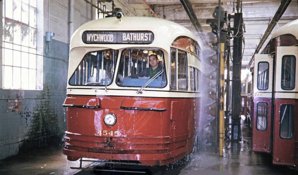 PHOTO - TORONTO - TTC PCC STREETCAR - WYCHWOOD BARN - WASHER - 1970 - EDITED FROM AN UNKNOWN PHOTOGRAPHER